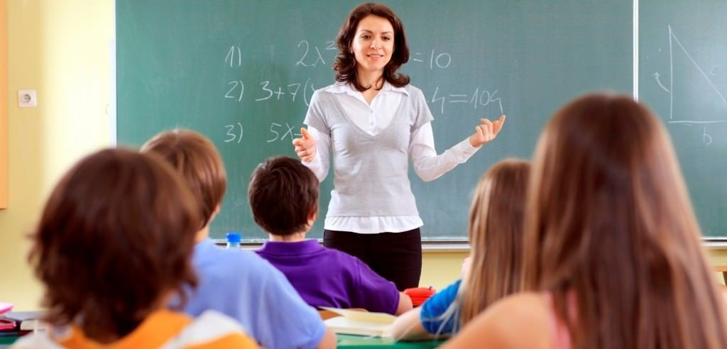 Teacher-Teaching-August-12-Cropped